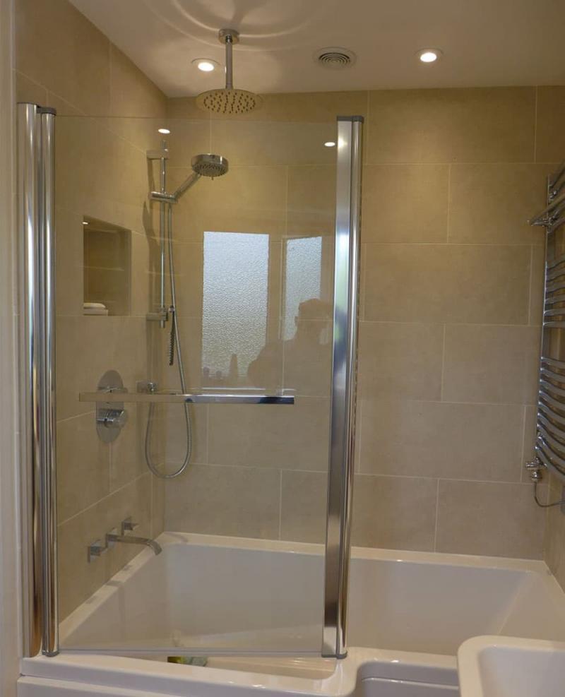 Интерьер маленькой ванной комнаты 10