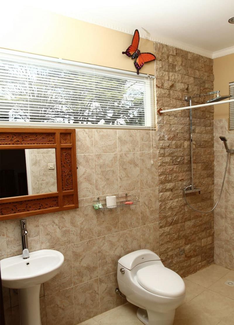 Интерьер маленькой ванной комнаты 6