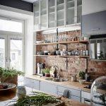 Открытые полки на кухне - практичные и стильные решения