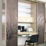 Шкафы-столы: рабочее место в виде трансформера с откидным или выдвижным секретером внутри