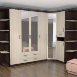 Угловой шкаф-купе для спальни